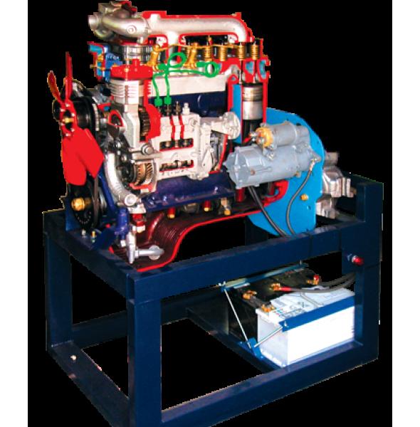 Дизельный двигатель в разрезе с навесным оборудованием в сборе со сцеплением в разрезе, коробкой передач в разрезе