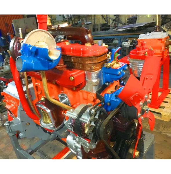 Двигатель дизельный МТЗ с коробкой, со сцеплением и навесным оборудованием (агрегаты в разрезе)
