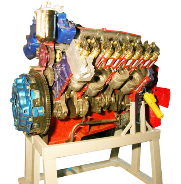 Двигатель грузового автомобиля КАМАЗ с навесным оборудованием (с электромеханическим приводом)