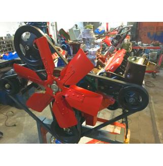 Двигатель автомобиля ЗИЛ/ГАЗ (карбюраторный) с навесным оборудованием и сцеплением